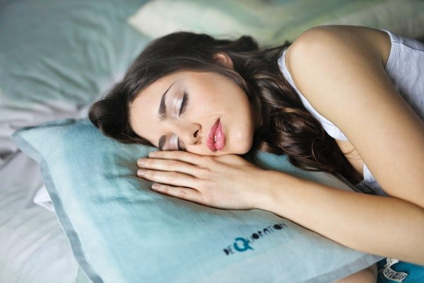 sleep and healthy skin
